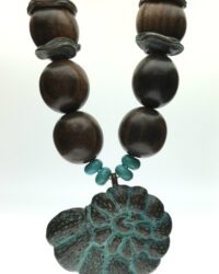 patina-shell-and-wood-necklace