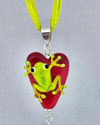 resize frog on heart